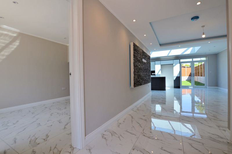 4 bed house for sale in Broadway  - Property Image 15