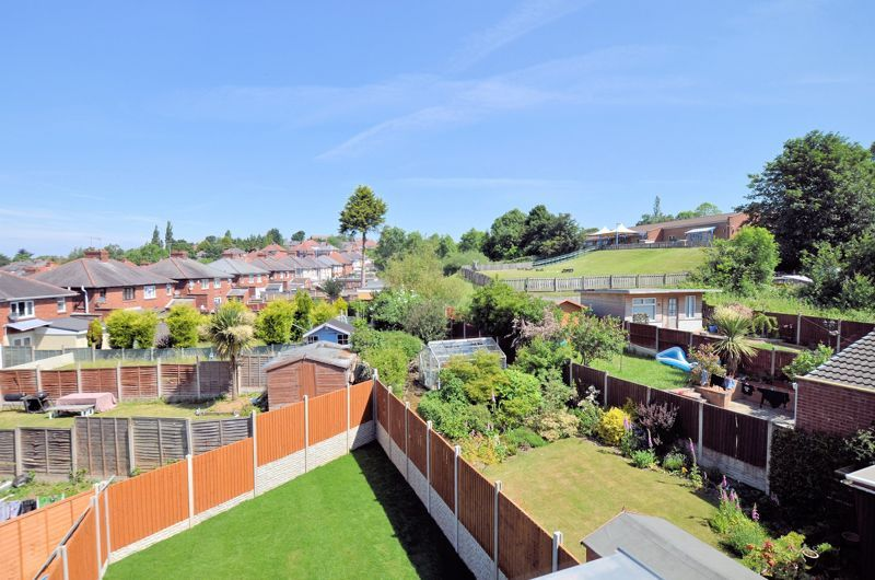 4 bed house for sale in Broadway 5