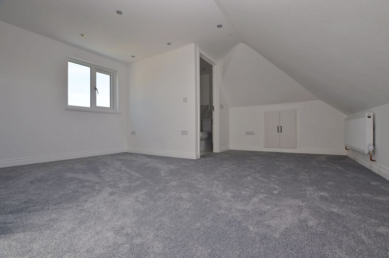 4 bed house for sale in Broadway  - Property Image 8