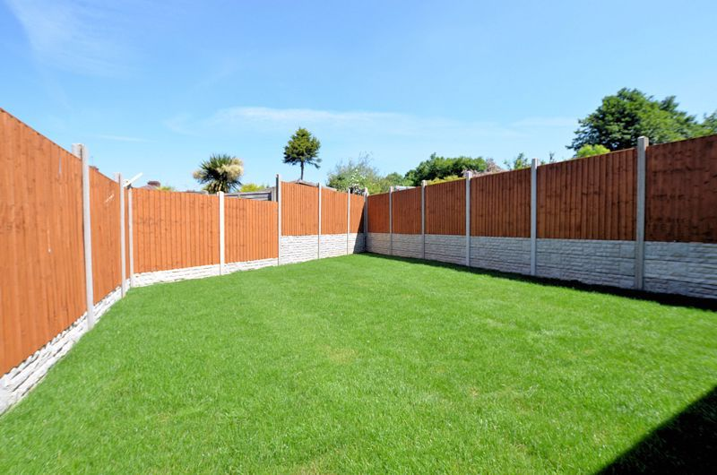 4 bed house for sale in Broadway  - Property Image 10