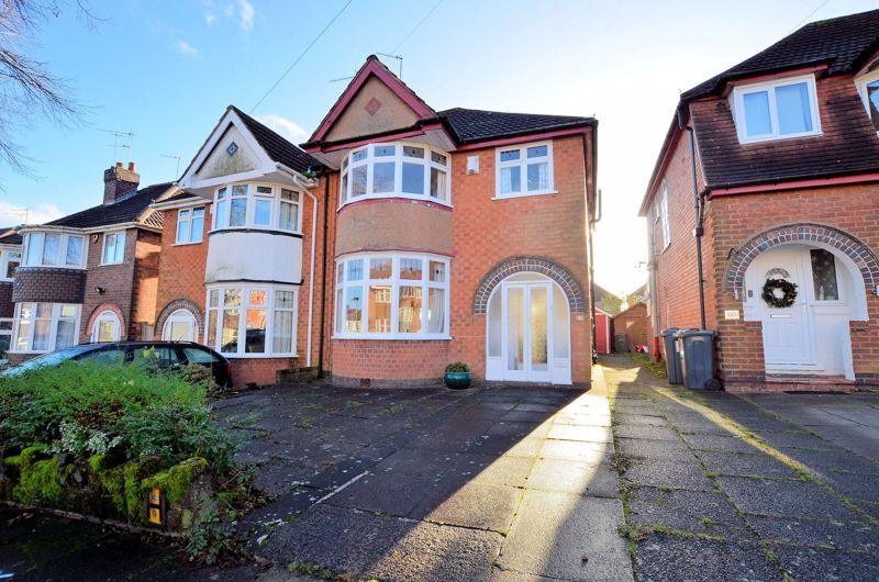 3 bed house for sale in Grayswood Park Road 1