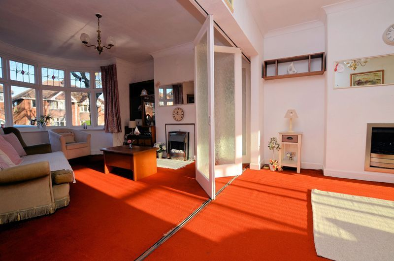3 bed house for sale in Grayswood Park Road 2