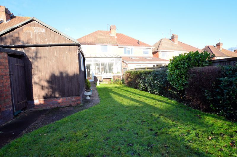 3 bed house for sale in Grayswood Park Road 9