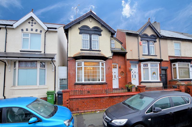 3 bed house for sale in Long Lane - Property Image 1