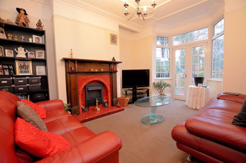 3 bed house for sale in Long Lane 3