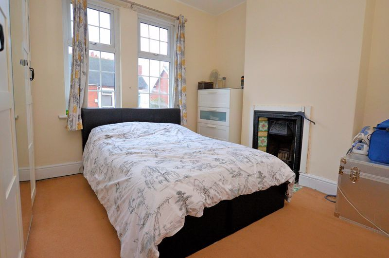 3 bed house for sale in Long Lane 6