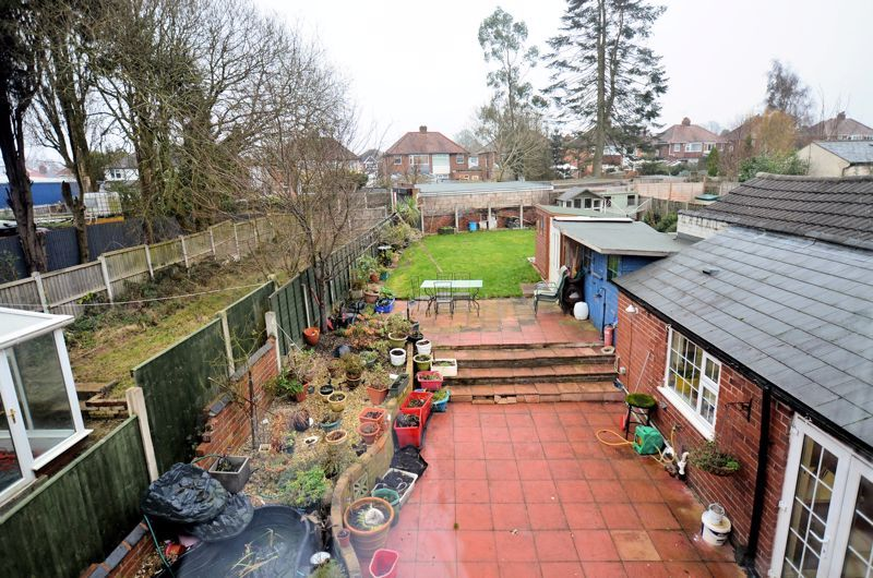 3 bed house for sale in Long Lane 8