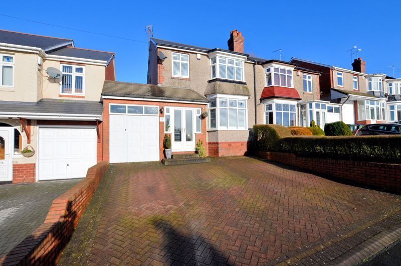 3 bed house for sale in Castle Road West, B68