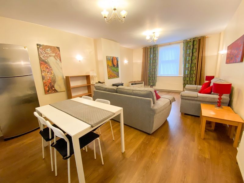 1 bed flat to rent in Bearwood Road - Property Image 1