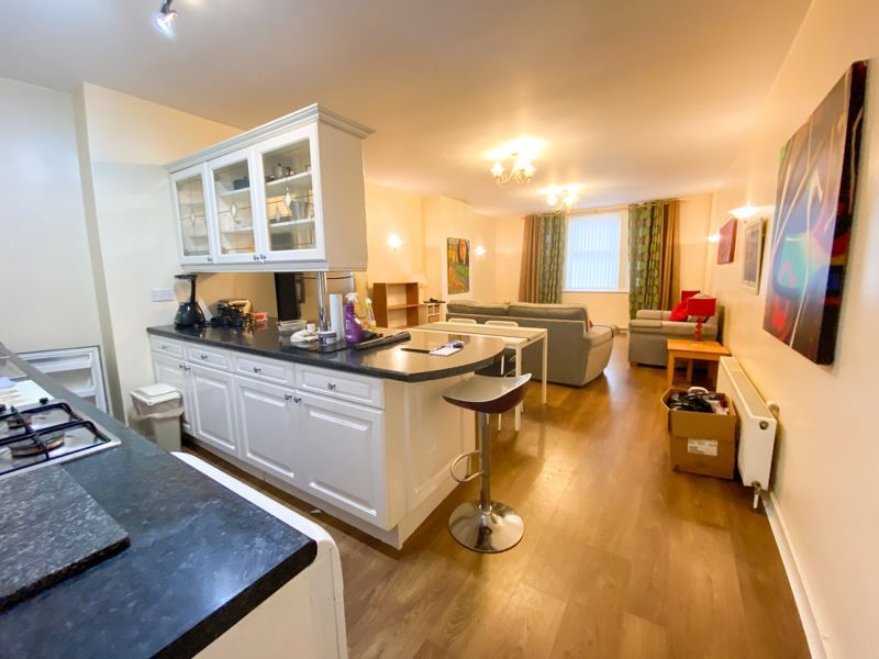 1 bed flat to rent in Bearwood Road 7