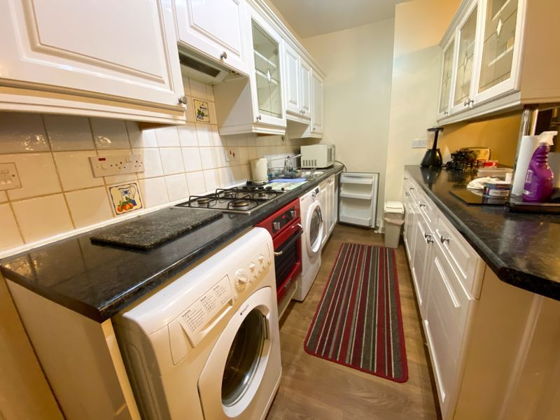 1 bed flat to rent in Bearwood Road 8