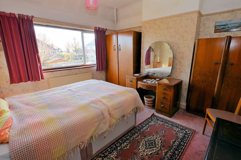 3 bed house for sale in Beverley Court Road 6