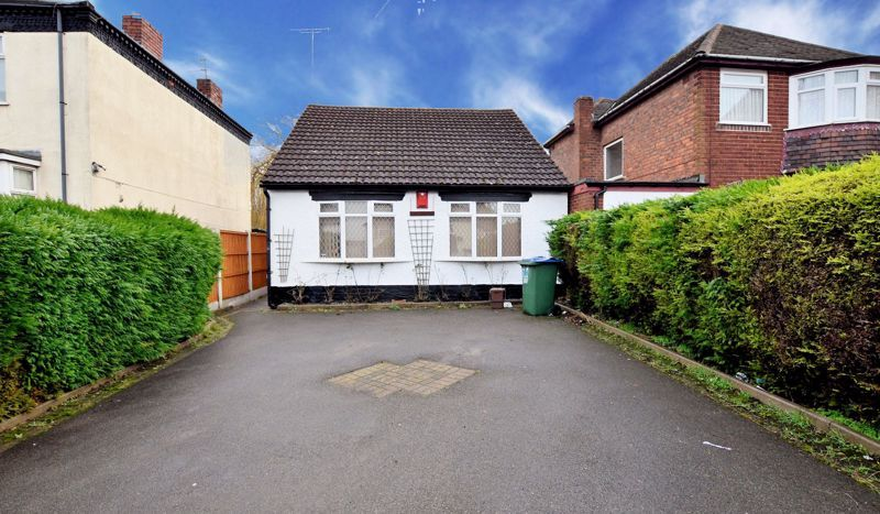 2 bed bungalow for sale in Causeway Green Road, B68
