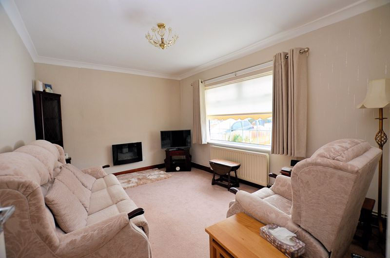 3 bed house for sale in Lunt Grove 2