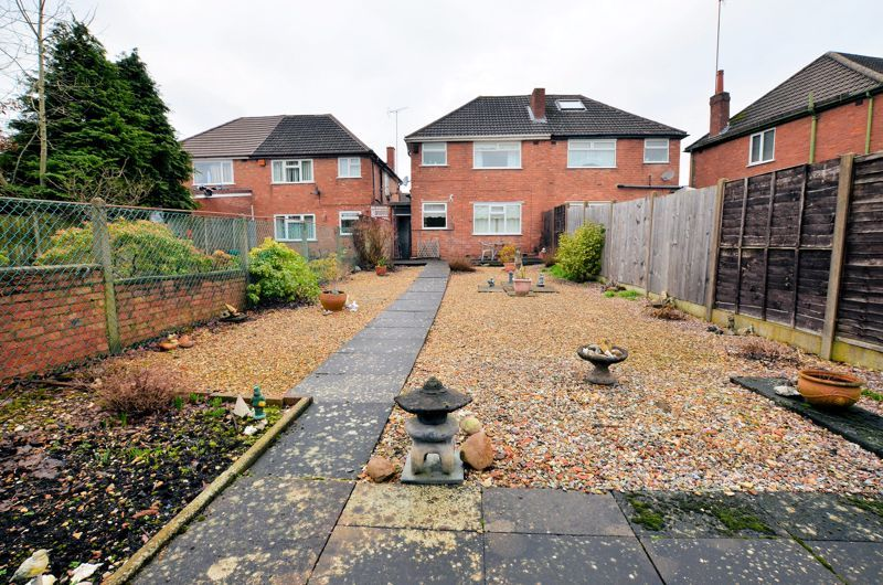 3 bed house for sale in Lunt Grove 8