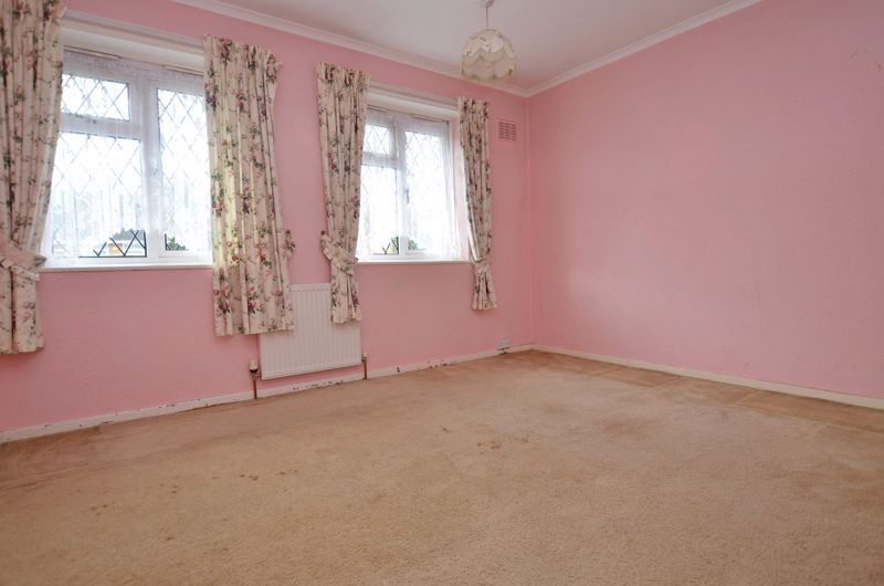 3 bed house for sale in Fleming Road  - Property Image 5