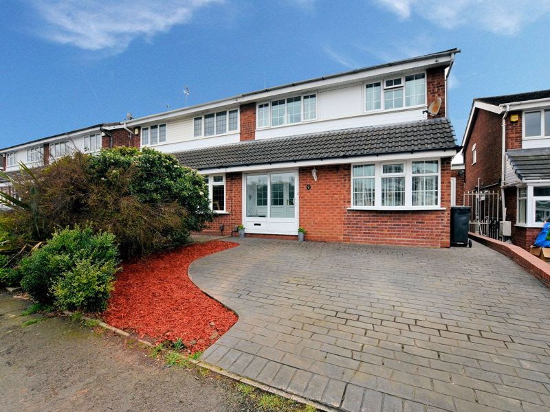 3 bed house for sale in Tay Grove, B62