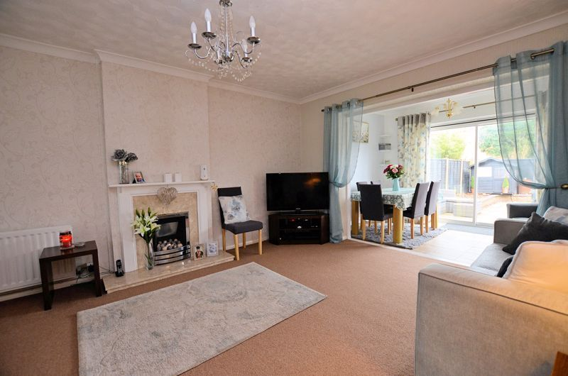 3 bed house for sale in Tay Grove 13