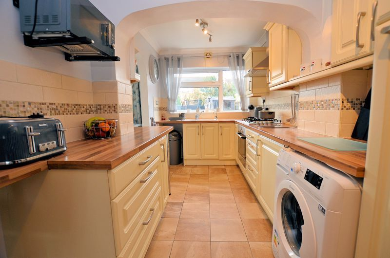 3 bed house for sale in Tay Grove 17