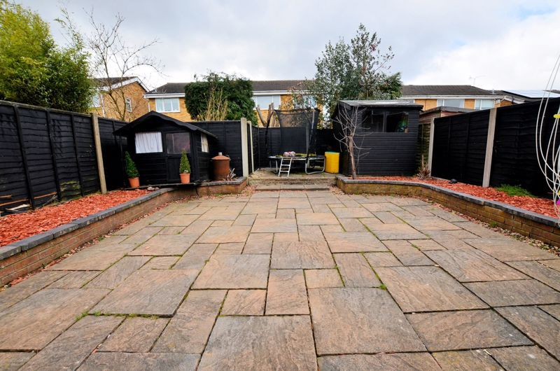 3 bed house for sale in Tay Grove 18