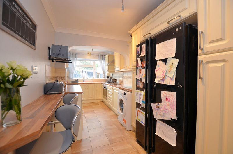 3 bed house for sale in Tay Grove 4