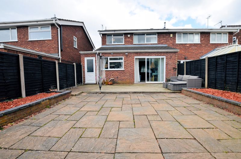 3 bed house for sale in Tay Grove 9