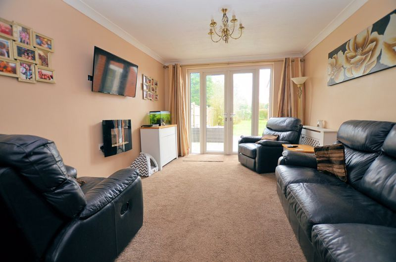 4 bed house for sale in Clydesdale Road  - Property Image 2