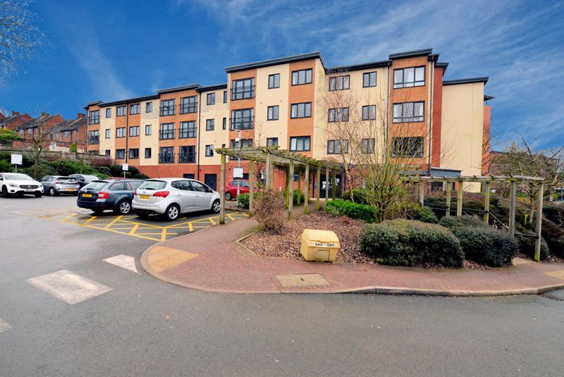 2 bed  for sale in Queensridge Court, Queensway, B68