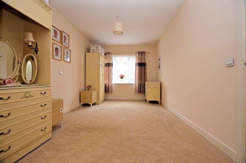 2 bed  for sale in Queensridge Court, Queensway 11
