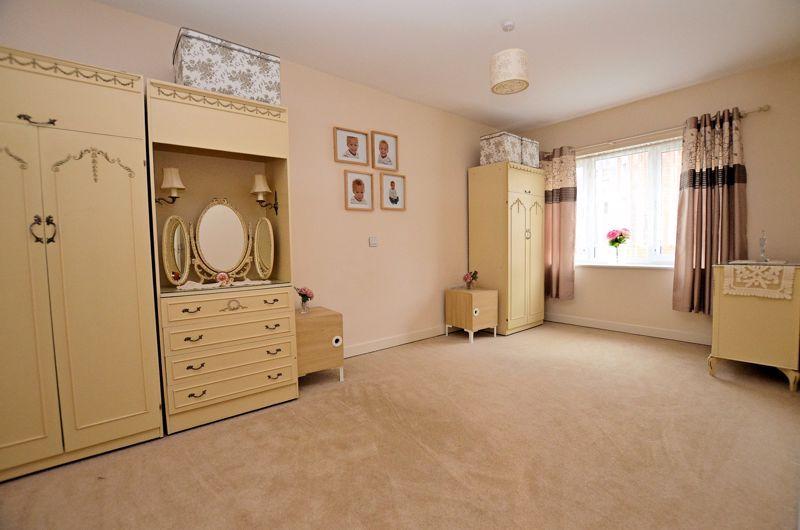 2 bed  for sale in Queensridge Court, Queensway 5