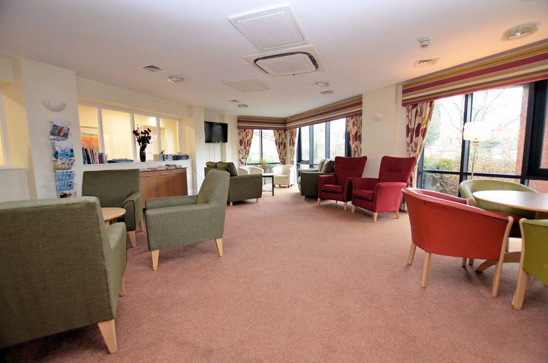 2 bed  for sale in Queensridge Court, Queensway 8