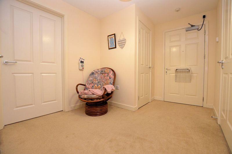 2 bed  for sale in Queensridge Court, Queensway 9