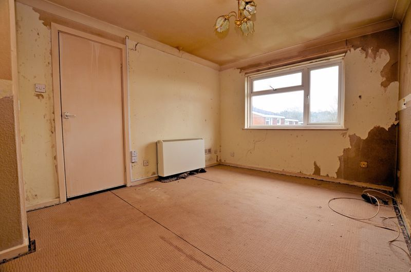 2 bed flat for sale in Warwick Close 2