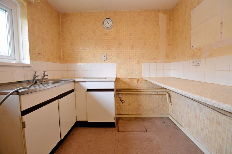2 bed flat for sale in Warwick Close 3