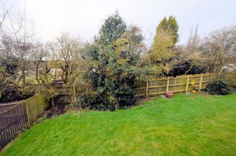 2 bed flat for sale in Warwick Close 4