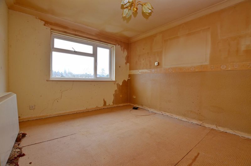 2 bed flat for sale in Warwick Close 5