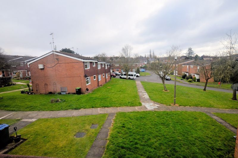 2 bed flat for sale in Warwick Close  - Property Image 9