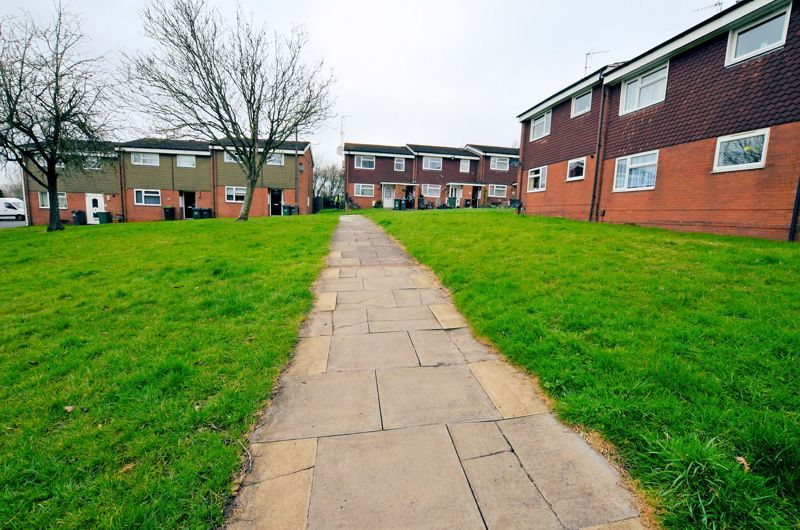2 bed flat for sale in Warwick Close 10