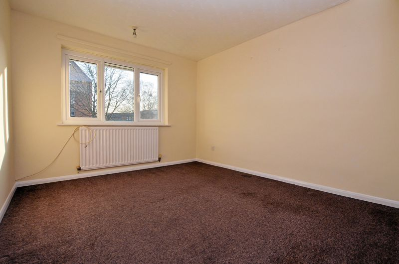 2 bed flat for sale in Roslyn Close 5