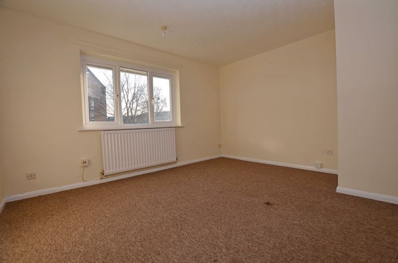 2 bed flat for sale in Roslyn Close  - Property Image 9