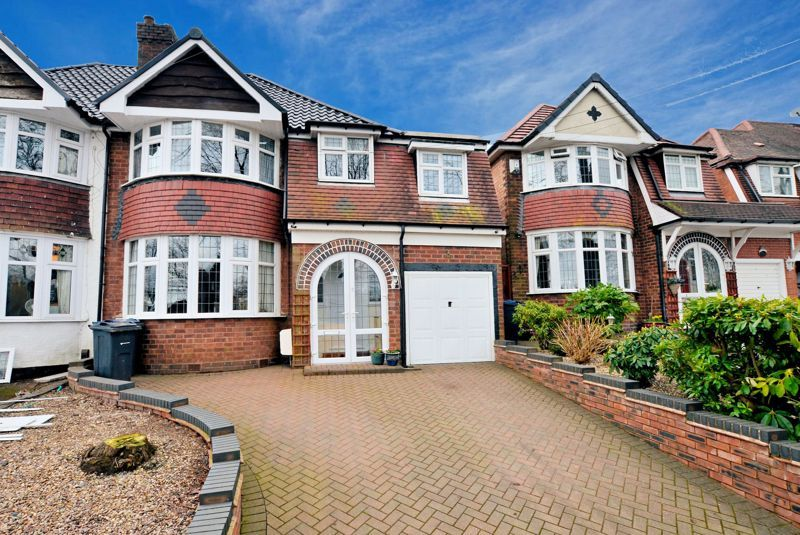 4 bed house for sale in Edenhall Road  - Property Image 1