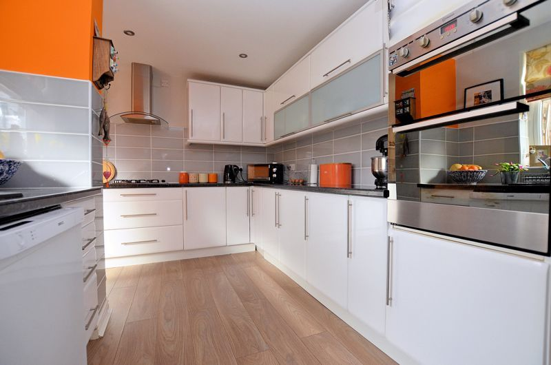 4 bed house for sale in Edenhall Road 11