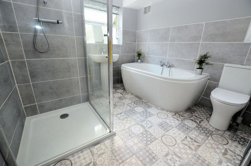 4 bed house for sale in Edenhall Road 7