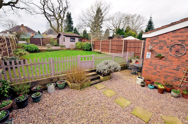 4 bed house for sale in Edenhall Road 8