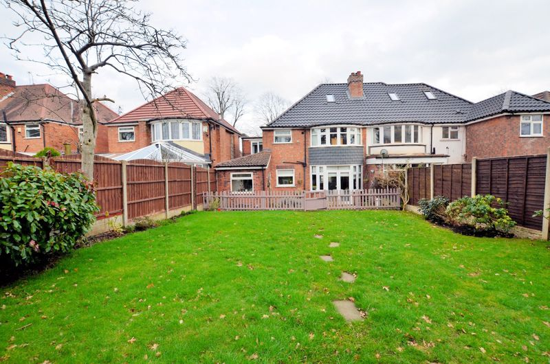 4 bed house for sale in Edenhall Road 9