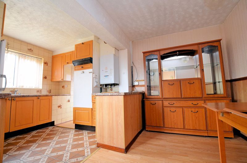 2 bed bungalow for sale in Elmdale  - Property Image 3