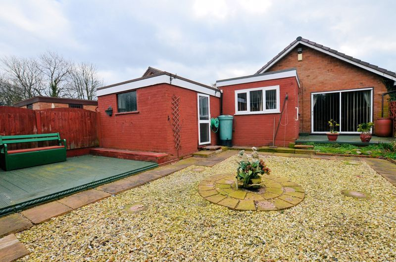 2 bed bungalow for sale in Elmdale  - Property Image 9