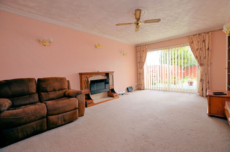 2 bed bungalow for sale in Elmdale  - Property Image 10