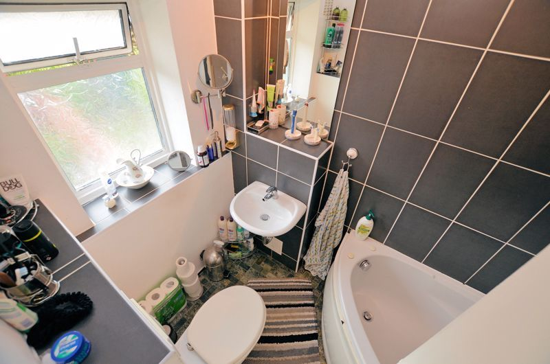 3 bed house for sale in Edison Grove  - Property Image 10
