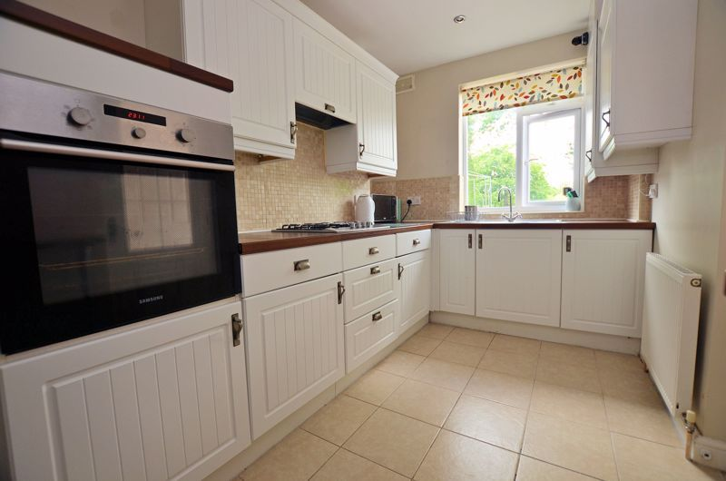 3 bed house for sale in Bent Avenue  - Property Image 3